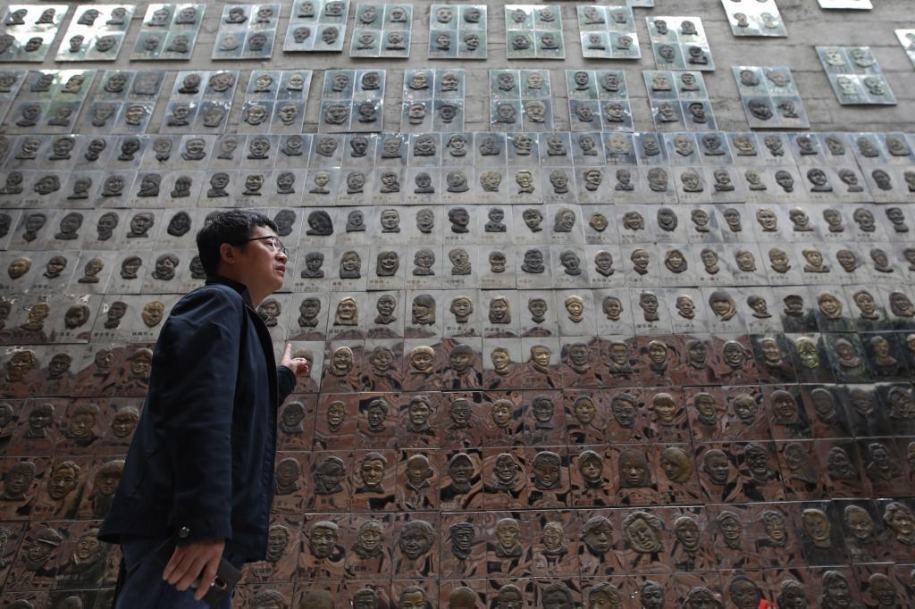 Un memorial que recuerda a las víctimas del terremoto de Sichuan en el 2008 en el museo Wenchuan en Chengdu (China).