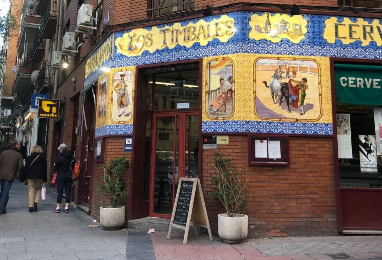 Con una de las fachadas más famosas de la zona, este bar-restaurante...