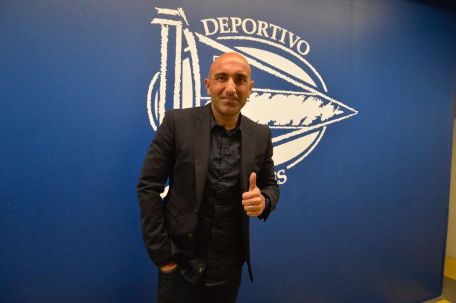 El entrenador del Alavés, Abelardo Fernández.
