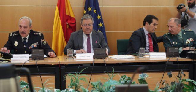 El ministro del Interior, Juan Ignacio Zoido, durante la reunión con...