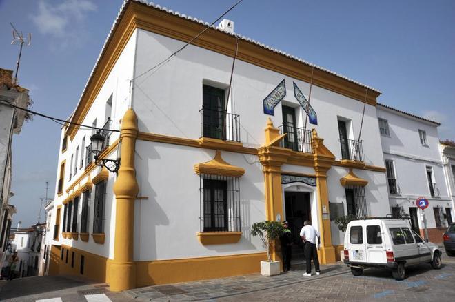 Fachada del Ayuntamiento malagueño de Manilva