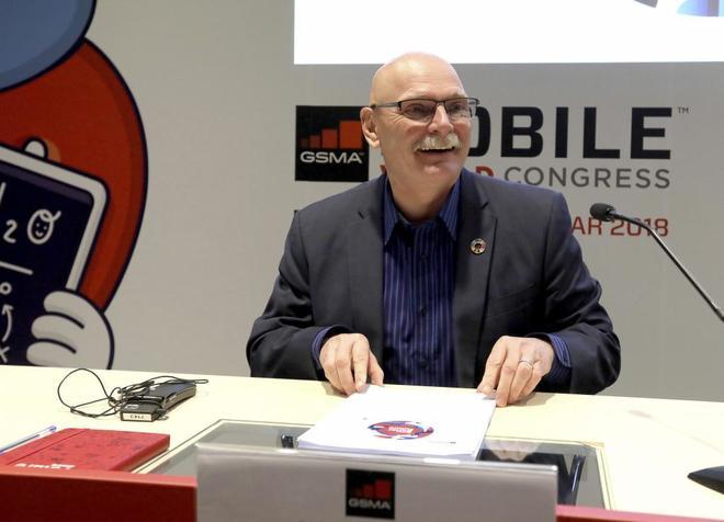 El delegado de GSMA entidad orgfanizadora del Mobile World Congress John Hoffman.