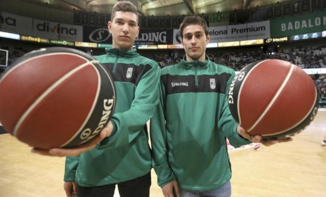 Joel Parra y Pol Molins posan para EL MUNDO este domingo en el Olímpico de Badalona.