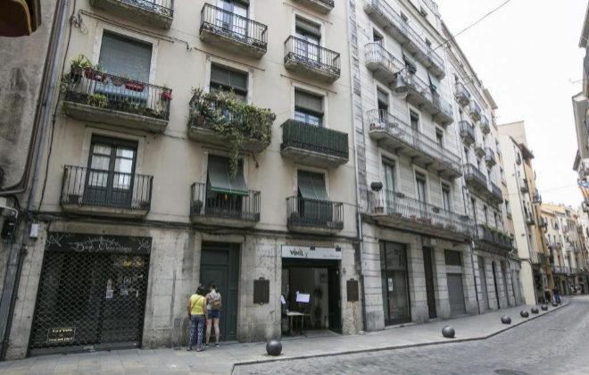 La falta de viviendas disponibles y los pisos turísticos presionan