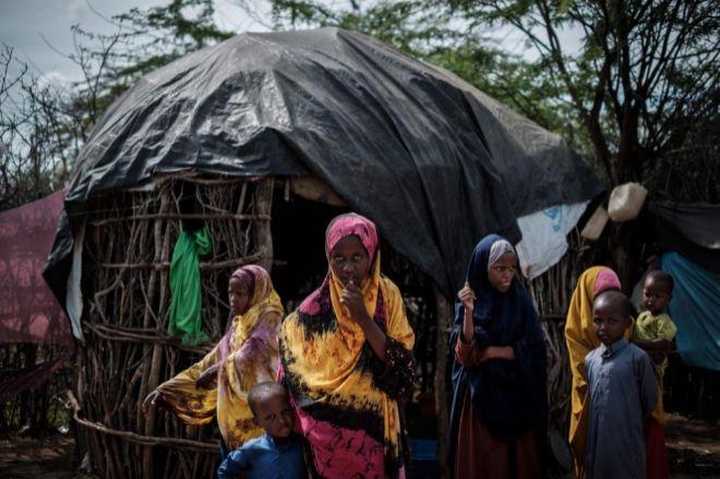 Un grupo de los niños somalíes refugiados en el campamento de Dadaab en Kenia.