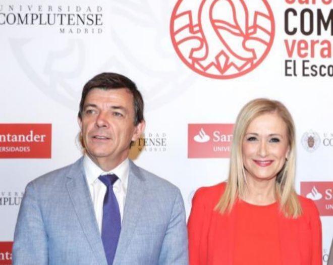 Carlos Andradas, rector de la Complutense, con la ya ex presidenta regional Cristina Cifuentes.