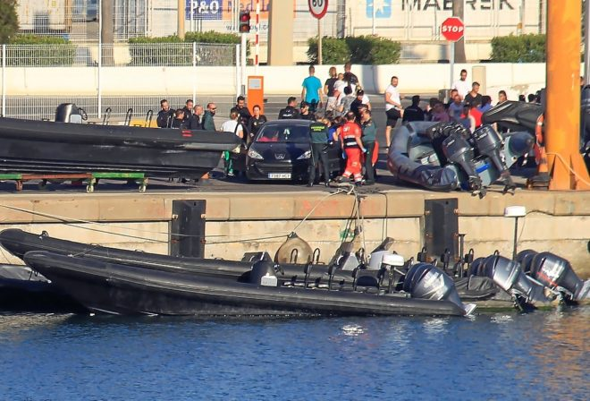 Imagen de la lancha que arrolló a otra en Algeciras y provocó la...