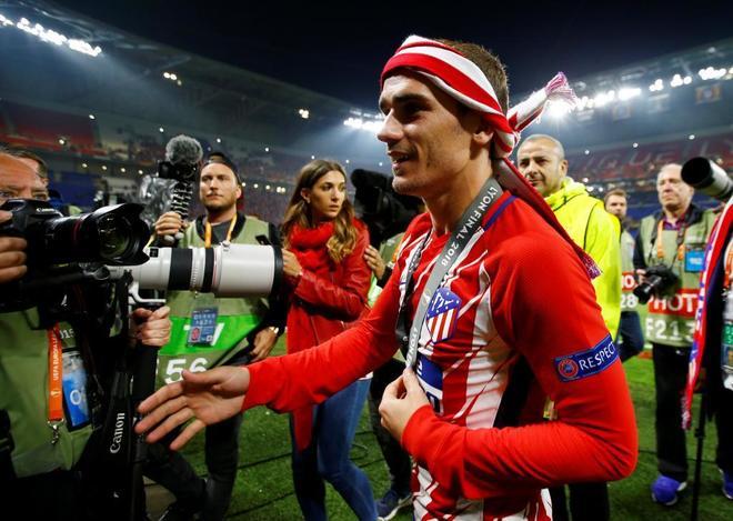 Antoine Griezzman celebra el título conquistado por el Atlético de Madrid.