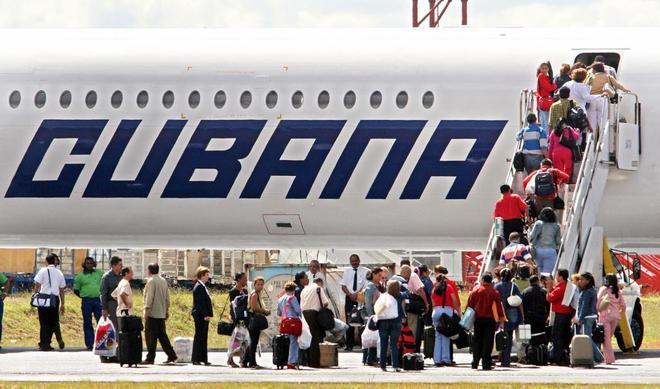 Un avión comercial de Cubana de Aviación se estrella al despegar en La Habana