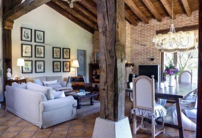 Casa de Pablo Iglesias e Irene Montero. El salón decorado por los...