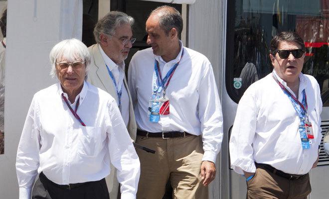 Ecclestone, Plácido Domingo, Camps y Olivas, en uno de los grandes premios de Valencia.