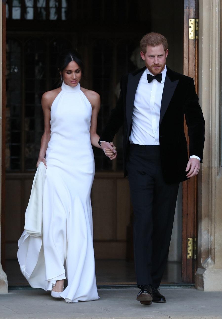 Tras meses de espera por fin se han confirmado los rumores, había un segundo vestido, y lo firma la diseñadora Stella MacCartney.