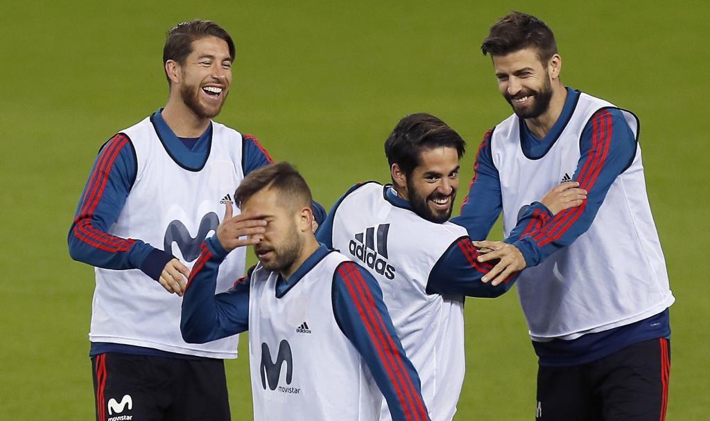 Sergio Ramos, Jordi Alba, Isco Alarcón y Gerard Piqué, en un entrenamiento de España.
