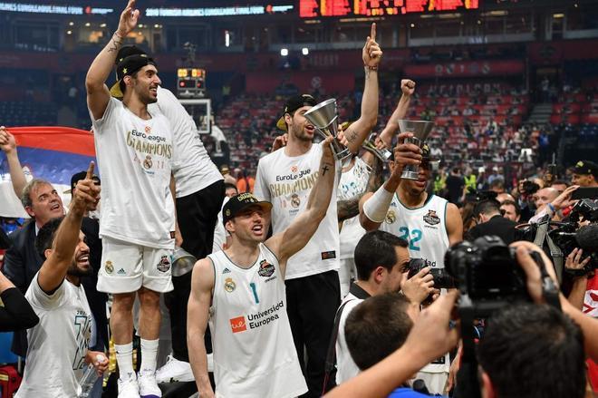 Causeur, durante las celebraciones del Madrid en el Stark Arena.