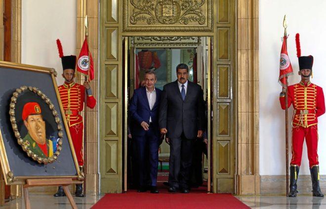 El ex presidente  Rodríguez Zapatero se reúne con el presidente venezolano, Nicolás Maduro, en Caracas.