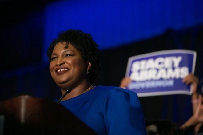 Los demócratas ponen mujeres al frente del partido en las