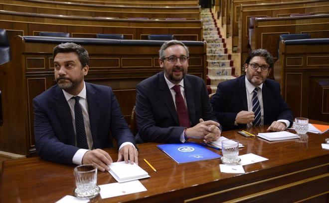 Representantes del PP, Ciudadanos y PSOE de la Asamblea de Murcia, en...