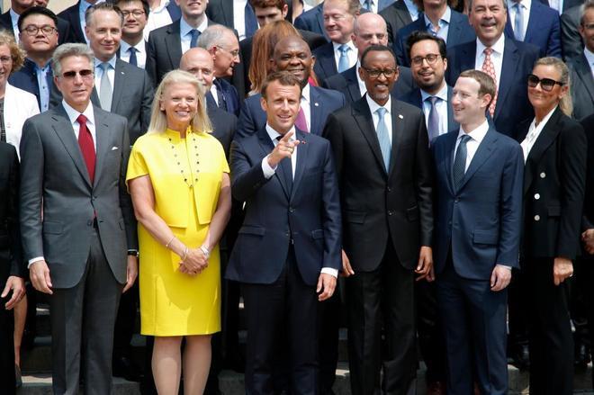 Emmanuel Macron recibe a Mark Zuckerberg y otros gigantes de Internet en París