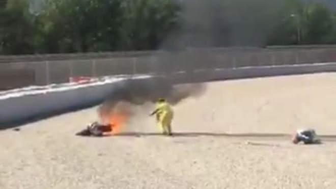 El piloto se salió en la última curva del circuito
