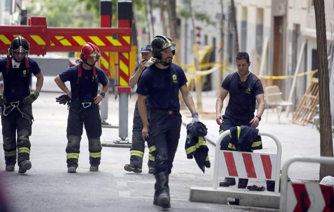 Dos obreros desaparecidos en el derrumbe de un edificio en