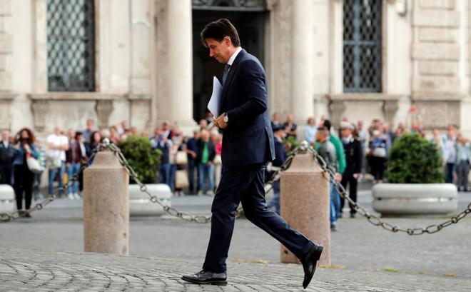 Giuseppe Conte a su llegada al encuentro con Sergio Mattarella, en Roma.