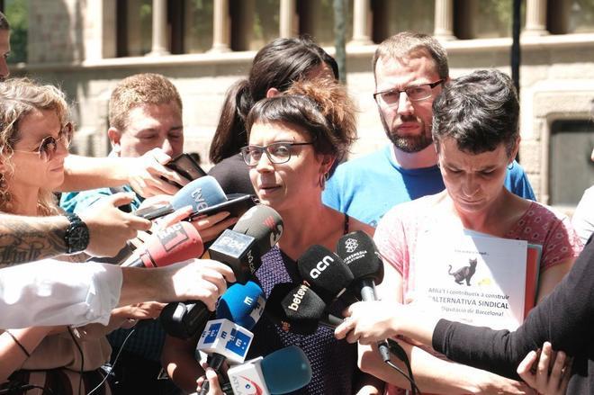 Miembros de la CUP explican la denuncia que originó la investigación