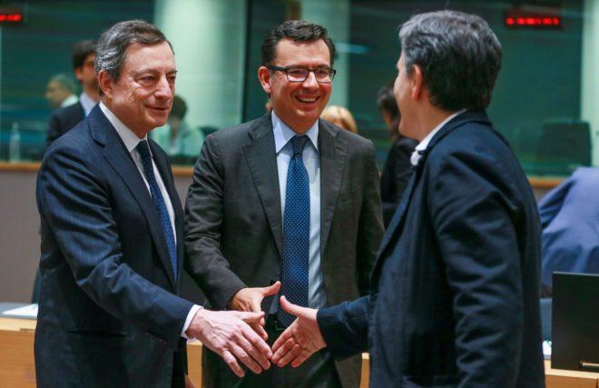 El Eurogrupo muestra su «preocupación» por el Gobierno populista y