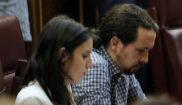 Irene Montero y Pablo Iglesias, en el Congreso durante el Pleno de...