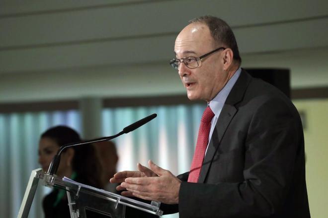Linde pide que la situación política no afecte al nombramiento de su sustituto en  el Banco de España