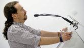 El secretario general de Podemos, Pablo Iglesias, valora la moción de...