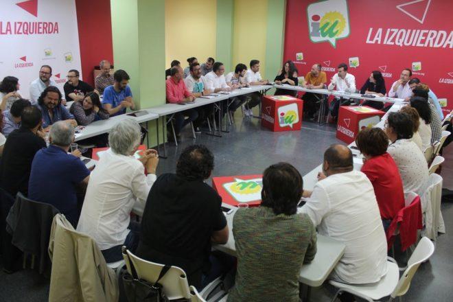 Maíllo, este domingo, en la reunión de la dirección colegiada de IU.
