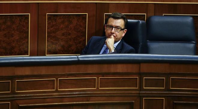 El ministro de Economía, Román Escolano, en el Congreso.