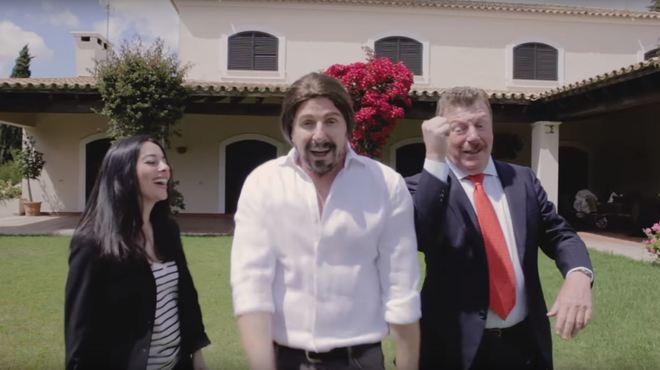 Pablo Iglesias e Irene Montero, en el videoclip de Los Morancos.
