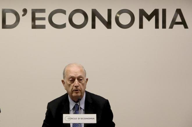 El presidente del Cercle d'Economia, Juan José Brugera, en una rueda de prensa.