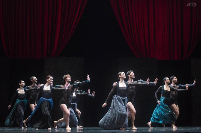 La Compañía Nacional de Danza en Por Vos Muero de Nacho Duato