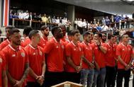 Los jugadores de la selección de Costa Rica, recibidos por el presidente, Carlos Alvarado.
