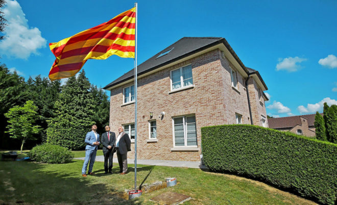 El presidente de la Generalitat, Quim Torra, durante su visita a...