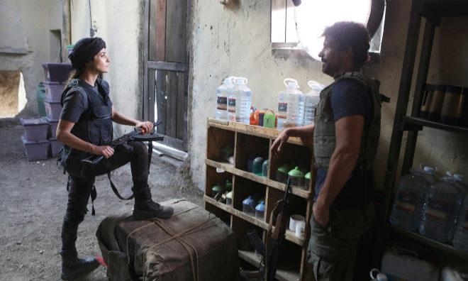 Paula Echevarría y Rodolfo Sancho, que interpreta a un agente del CNI...