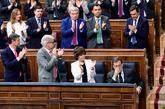 Mariano Rajoy, aplaudido por el Gobierno y la bancada del PP tras su...