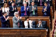 Mariano Rajoy, aplaudido por el Gobierno y la bancada del PP tras su intervención de despedida, ayer, en el debate.