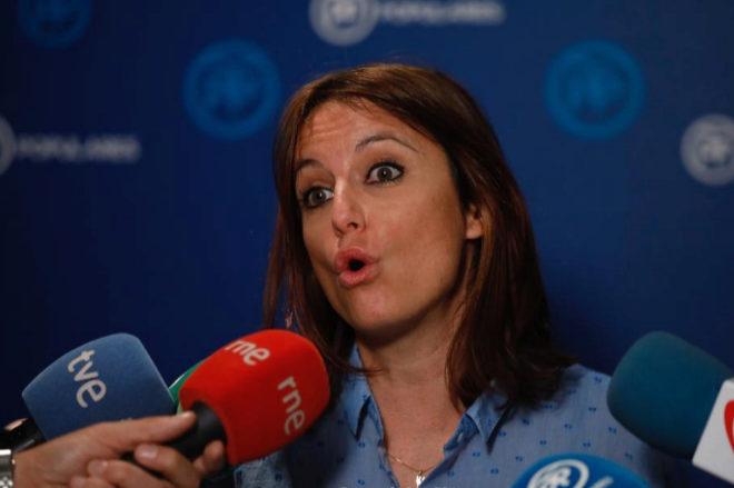 Andrea Levy, vicesecretaria del PP, en rueda de prensa en la sede de la calle Génova.