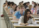 Alumnos durante los exámenes de Selectividad del pasado curso.