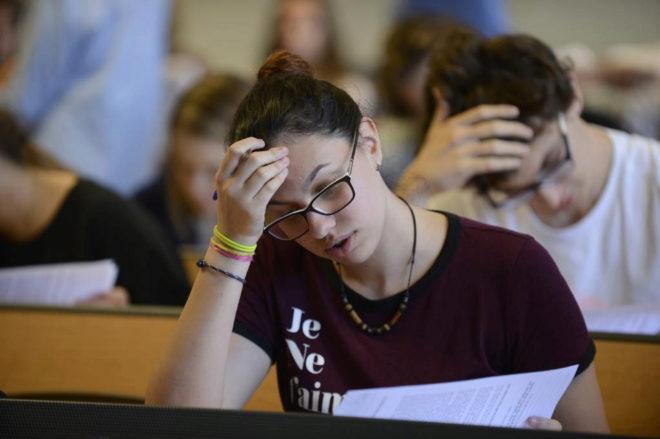 Una alumna durante las pruebas de Selectividad de 2017 en Baleares
