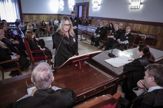 Una juez especializada en cláusulas suelo toma posesión de su cargo en el Tribunal Superior de Justicia de la Comunitat Valenciana