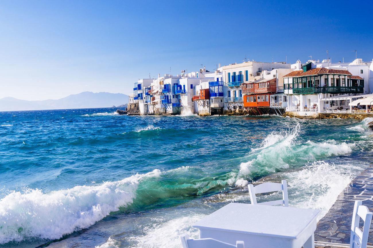 Roca volcánica, playas doradas y el mar azul turquesa. Esta es la...