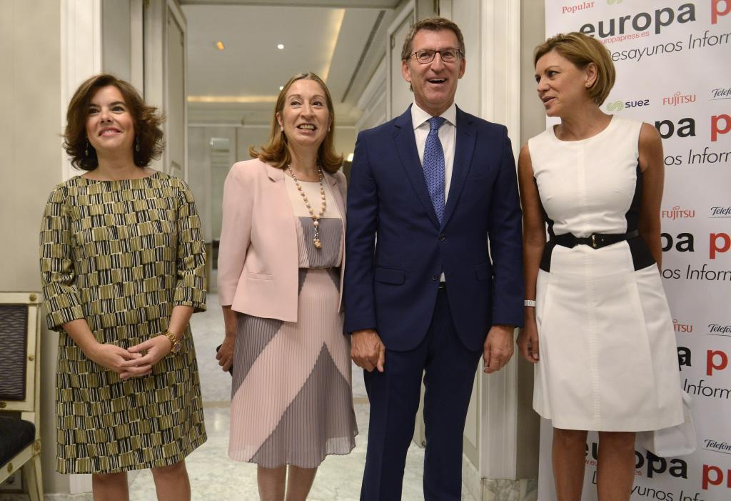 Soraya Sáenz de Santamaría, Ana Pastor, Alberto Núñez Feijóo y...