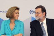 Mariano Rajoy, con María Dolores de Cospedal en el Comité Ejecutivo Nacional en el que ha anunciado su retirada.