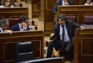 Jorge Moragas conversa con Albert Rivera y Juan Carlos Girauta en el Congreso