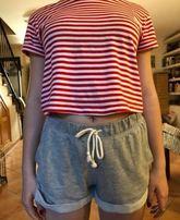Imagen de Jana vestida con la ropa que llevó al instituto.