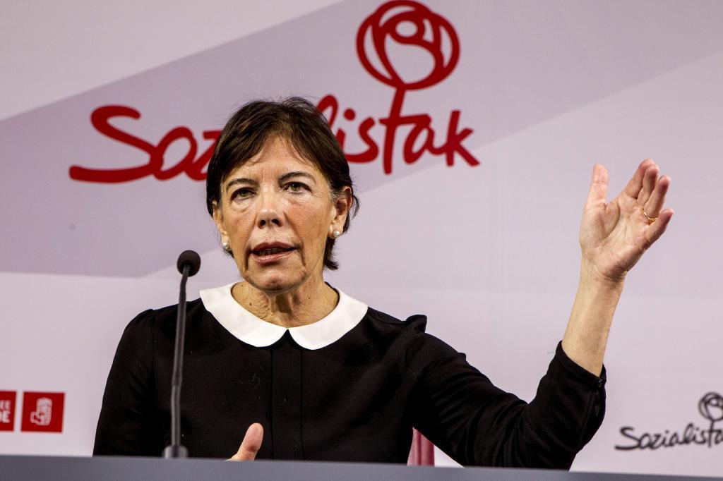 Isabel Celaa en un acto del PSE-EE.